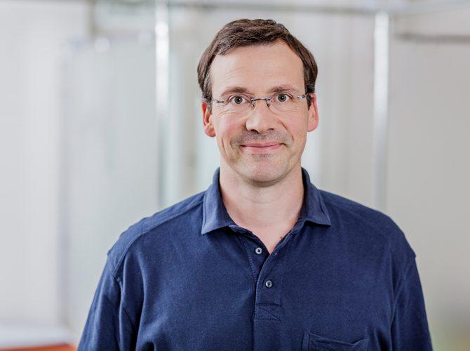 Dr. Olaf Hasart